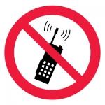 Знак P18 Запрещается пользоваться мобильным (сотовым) телефоном или переносной рацией •ГОСТ 12.4.026-2015• (Пленка 200 х 200)