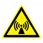 Знак W12 Внимание. Электромагнитное поле •ГОСТ 12.4.026-2015• (Пленка 200 х 200)